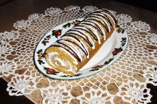 Cindy's Pumpkin Cake Roll